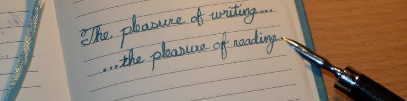 Handgeschriebene Zeilen auf Papier